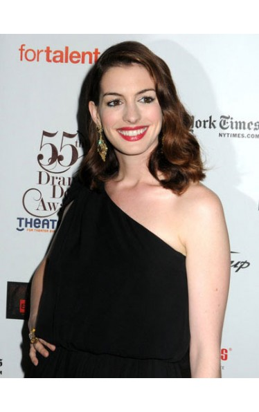 Auburn Shoulder Length Wavy Without Bangs Capless Anne Hathaway Wigs Shoulder Length Wigs D4 Amae096